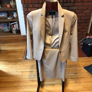 New Le chateau women's suit sizeXs